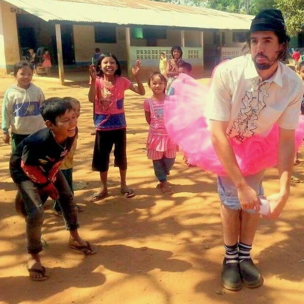 Guillaume Vermette Clown Humanitaire Thaïlande Tutu