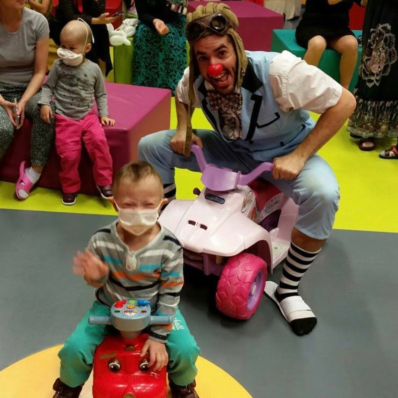 Guillaume Vermette Clown Humanitaire Russie hôpital