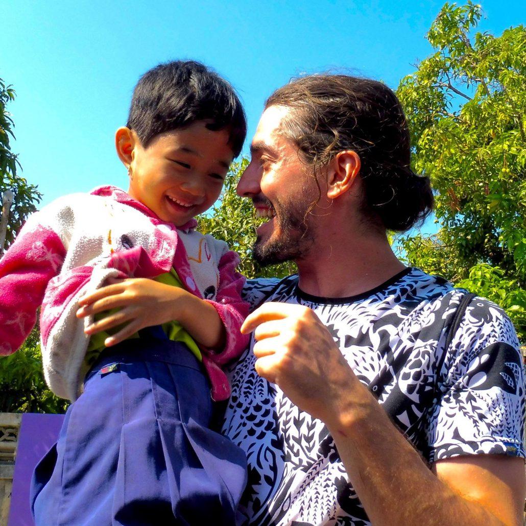 Guillaume Vermette Clown Humanitaire Thaïlande école réfugiés