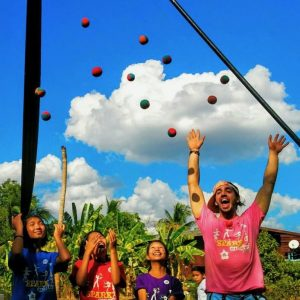 Guillaume Vermette Clown Humanitaire Thaïlande jonglerie